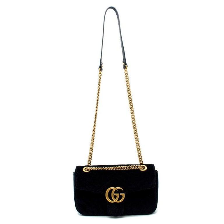 1f7940fcc0802 Gucci Kleine Schwarze Samt GG Matelasse Marmont Tasche im Angebot ...