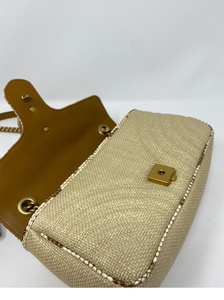 Gucci Small Marmont Straw Floral Interior Bag 10