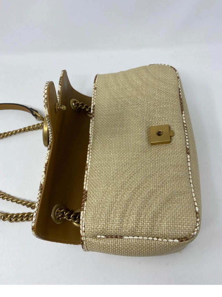 Gucci Small Marmont Straw Floral Interior Bag 11