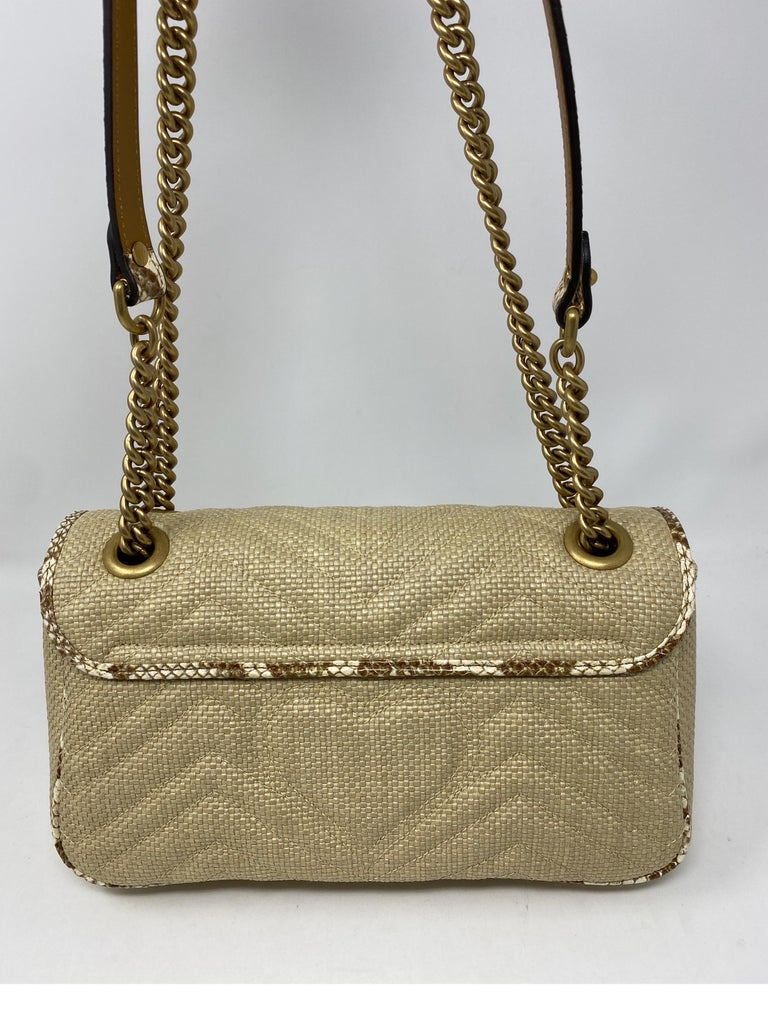 Gucci Small Marmont Straw Floral Interior Bag 4
