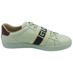 Gucci Sneakers size 34.5 - New