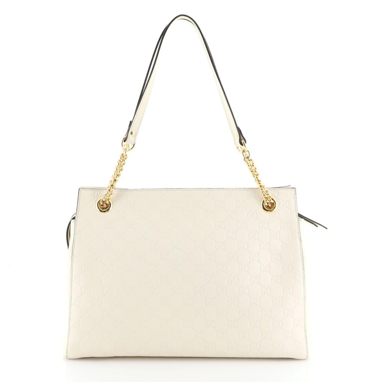 Gucci Soft Signature Shoulder Bag In Good Condition For Sale In New York, NY