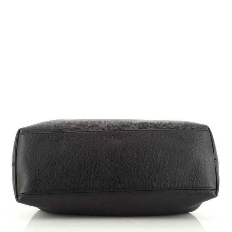 Women's or Men's Gucci Soho Chain Strap Shoulder Bag Leather Medium For Sale