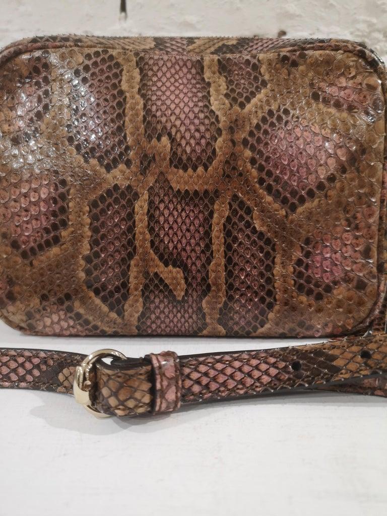 Women's Gucci Soho python shoulder bag For Sale