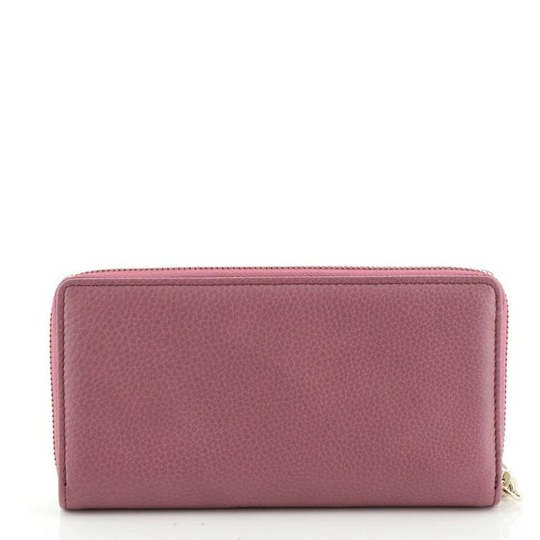Women's or Men's Gucci Soho Zip Around Wallet Leather For Sale