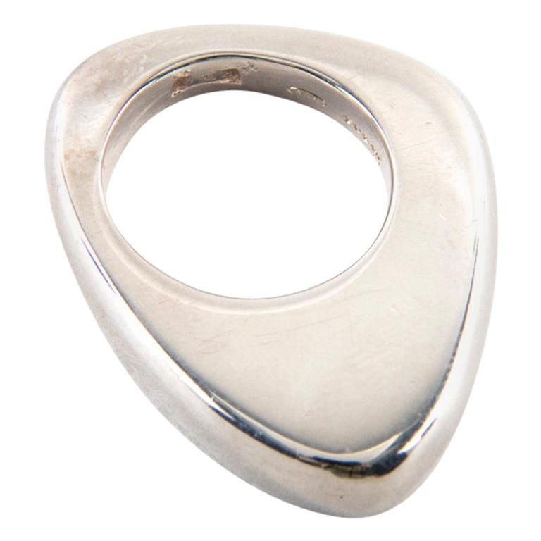 Gucci Sterling Silver Ring, Size 5 For Sale