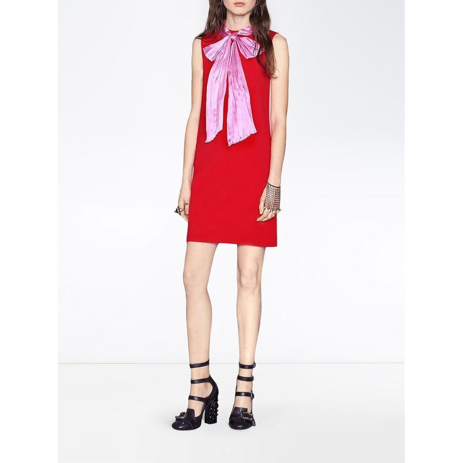 cfb2d53f1 GUCCI Stretch Red Dress with Bow - Large For Sale at 1stdibs