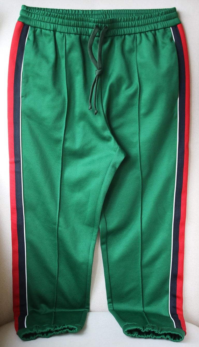 Italian-made from lustrous green tech-jersey, they have raised seams at the front and comfortable elasticated trims. Multicolored tech-jersey. Pull on. 55% polyester, 45% cotton. Designer colour: Yard. Made in Italy.  Size: Large (UK 12, US 8, FR