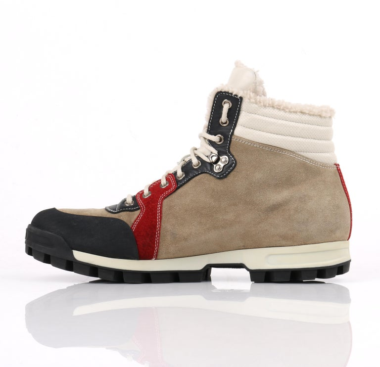 d88eca1e829 GUCCI Suede Leather Shearling Lace Front Lug Sole Hiking Boots RARE In Good  Condition For Sale