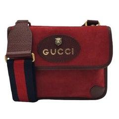 GUCCI Supreme Shoulder bag in Red Suede