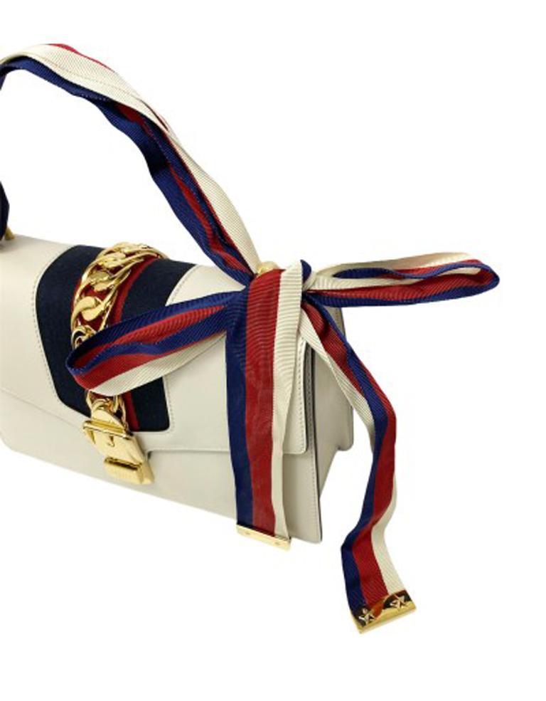 Gucci Sylvie Bianca Shoulder Bag in Leather with Golden Hardware For Sale 1