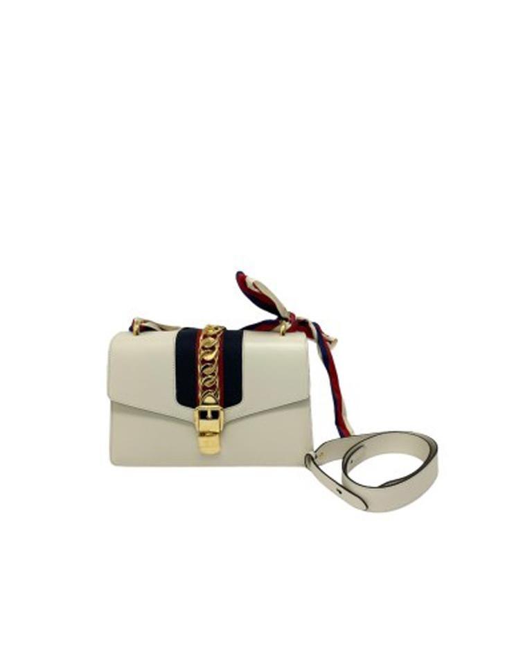 Gucci Sylvie Bianca Shoulder Bag in Leather with Golden Hardware For Sale 2