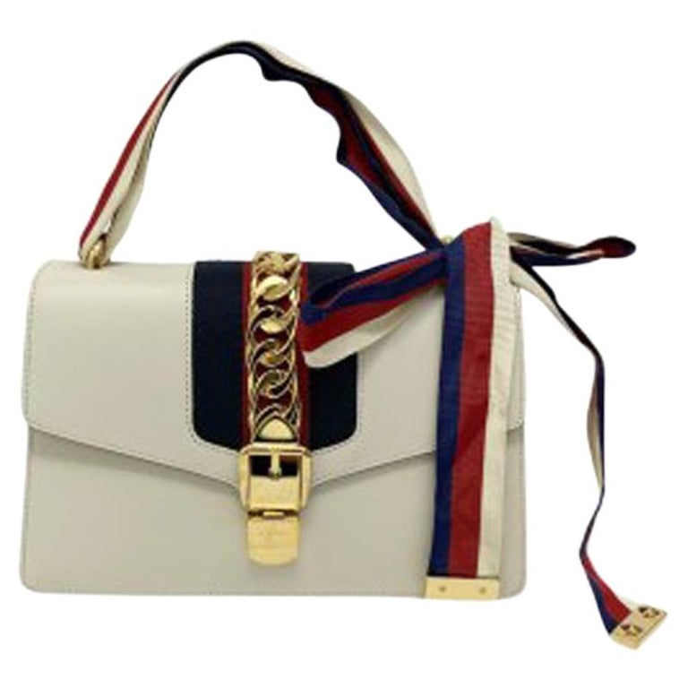 Gucci Sylvie Bianca Shoulder Bag in Leather with Golden Hardware For Sale