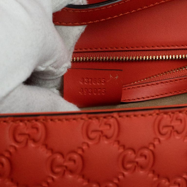 Gucci, Sylvie in orange leather For Sale 2