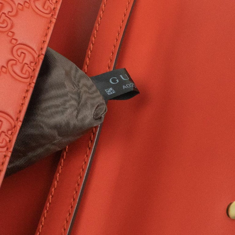 Gucci, Sylvie in orange leather For Sale 3