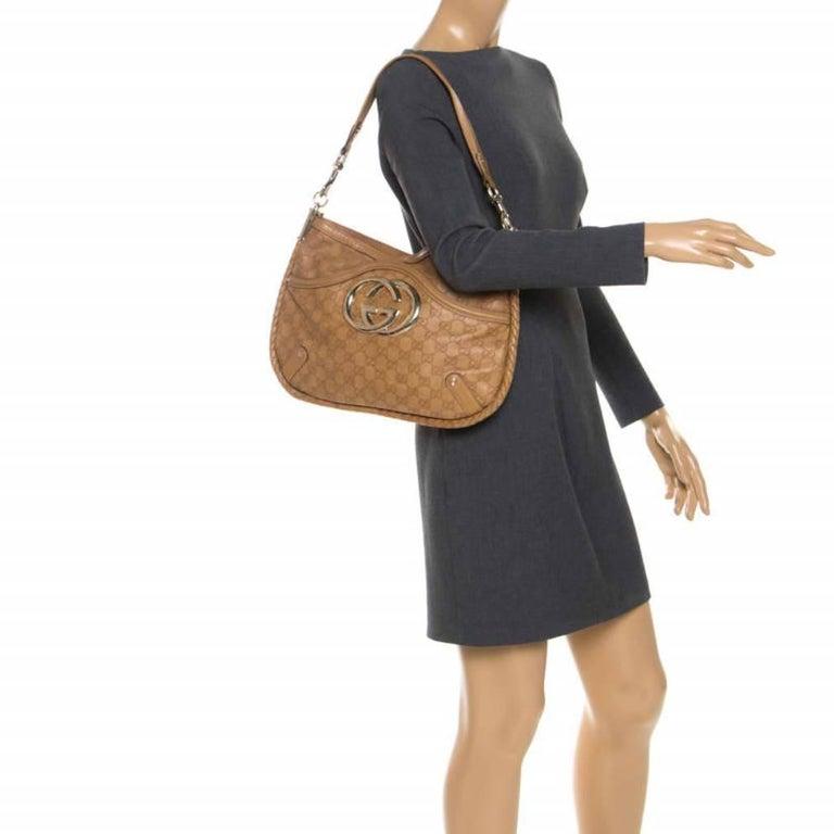 Gucci Tan Guccissima Leather Medium Britt Shoulder Bag In Good Condition For Sale In Dubai, Al Qouz 2