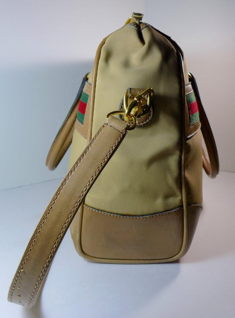 Brown GUCCI Tan Leather and Canvas Shoulder Bag For Sale