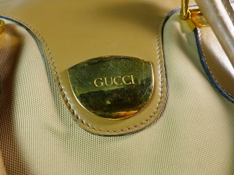 GUCCI Tan Leather and Canvas Shoulder Bag For Sale 3
