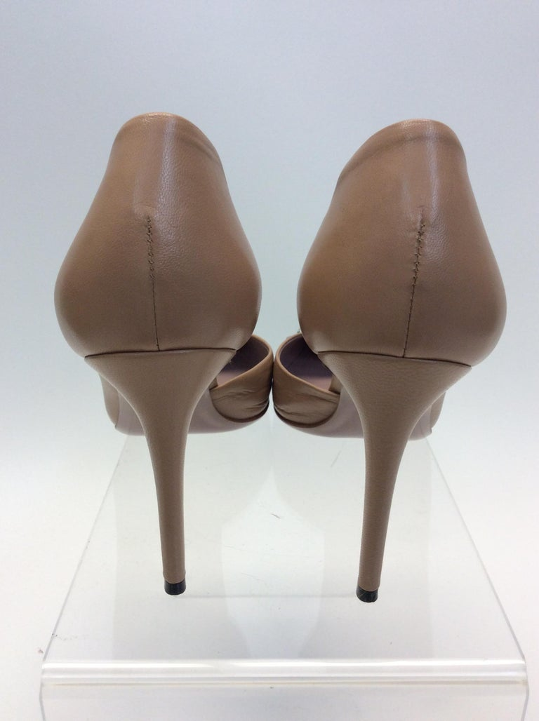 Brown Gucci Tan Leather Studded Heels For Sale