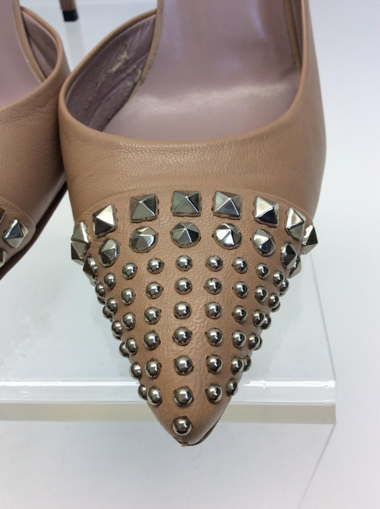 Gucci Tan Leather Studded Heels For Sale 1