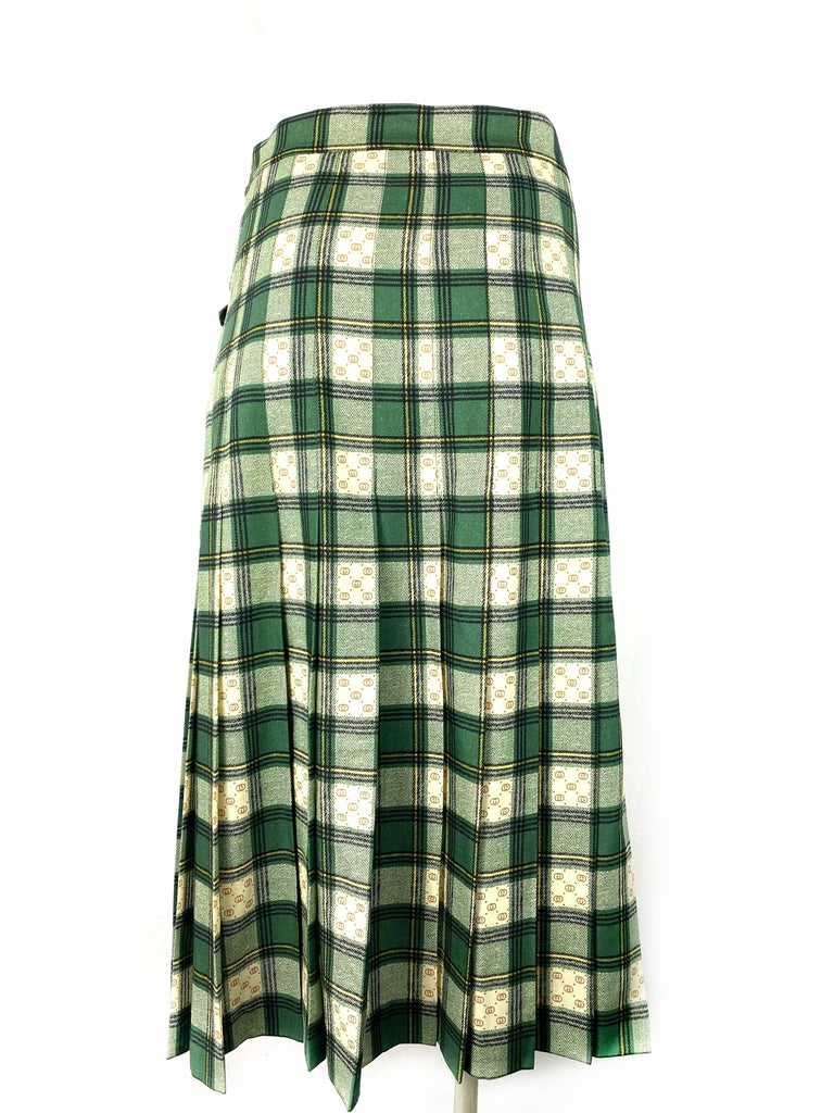 Gucci Tartan Check Pleated Wool Maxi Skirt, Size 40 For Sale 1