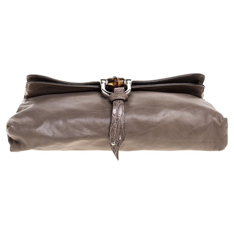 Women's Gucci Taupe Leather Croisette Clutch For Sale