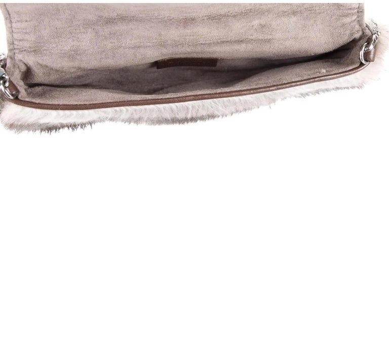 Gucci Taupe Tan Fur Pearl Small Evening Handle Wristlet Clutch Bag  In Good Condition In Chicago, IL