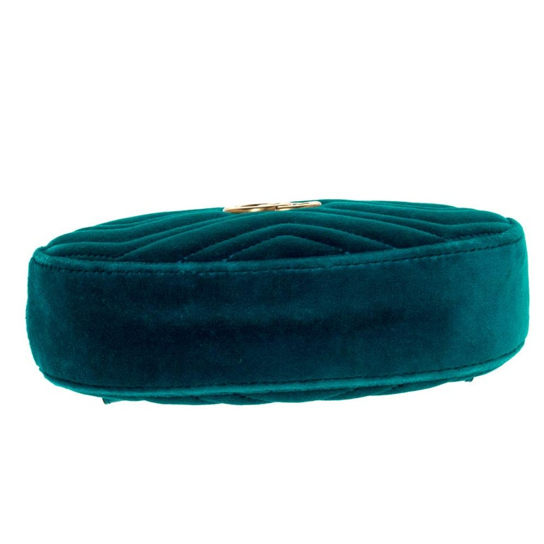 Women's Gucci Teal Velvet GG Marmont Belt Bag For Sale