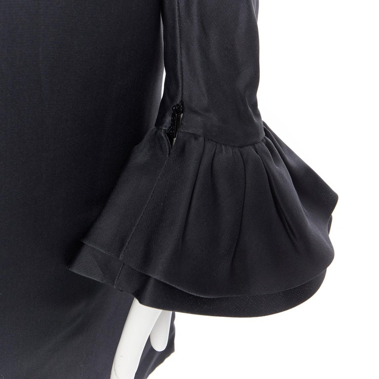 GUCCI TOM FORD AW00 Vintage 100% silk black Victorian plunge neck ruffle dress M For Sale 3
