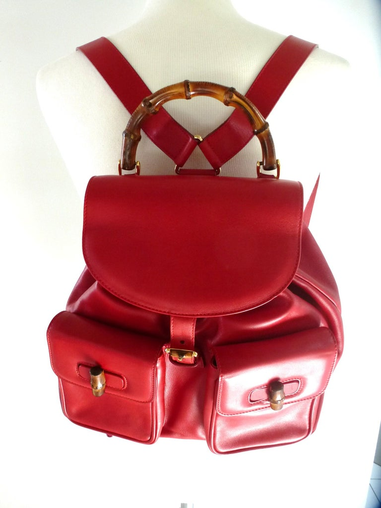 GUCCI  two pocket backpack iconic bamboo red leather  In Good Condition For Sale In Stuttgart, DE