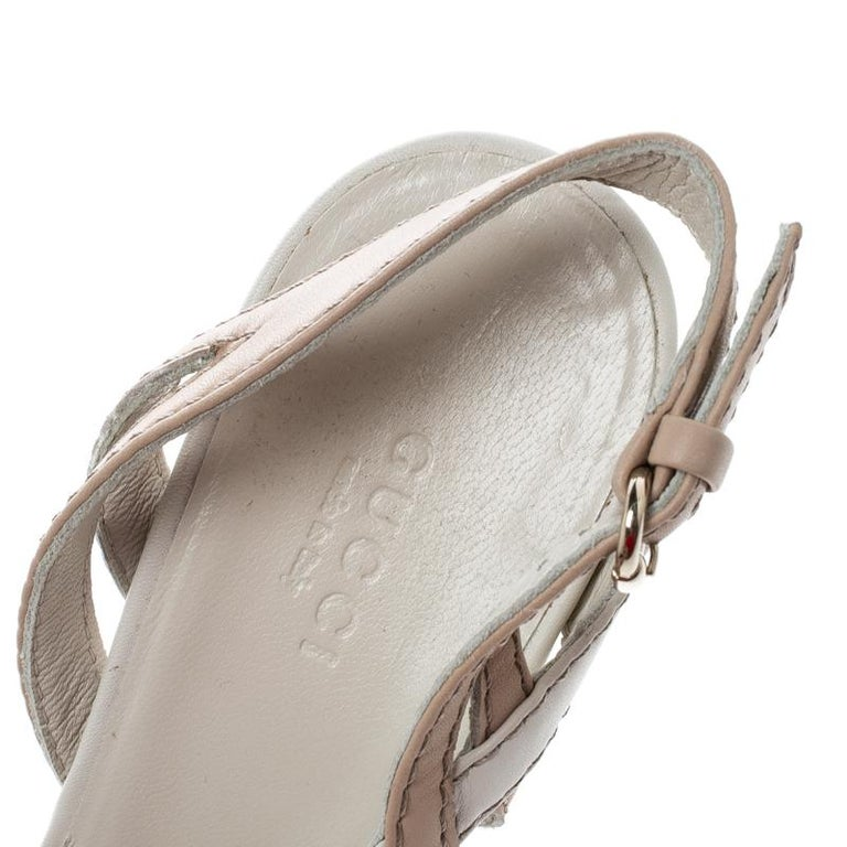 Gucci Two Tone Leather Kotao Tortoise Peep Toe Wedge Sandals Size 37 For Sale 2
