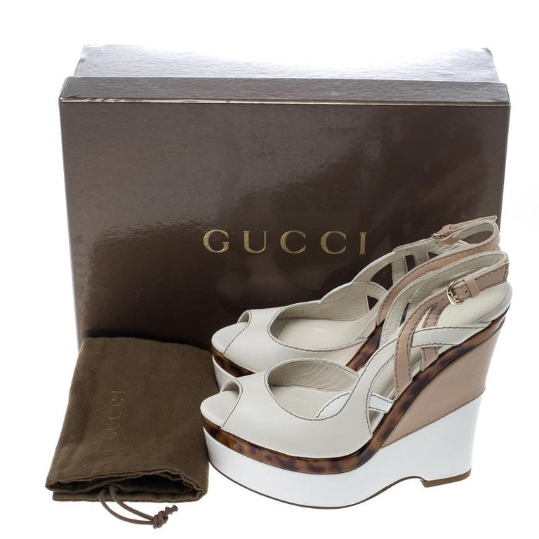 Gucci Two Tone Leather Kotao Tortoise Peep Toe Wedge Sandals Size 37 For Sale 3