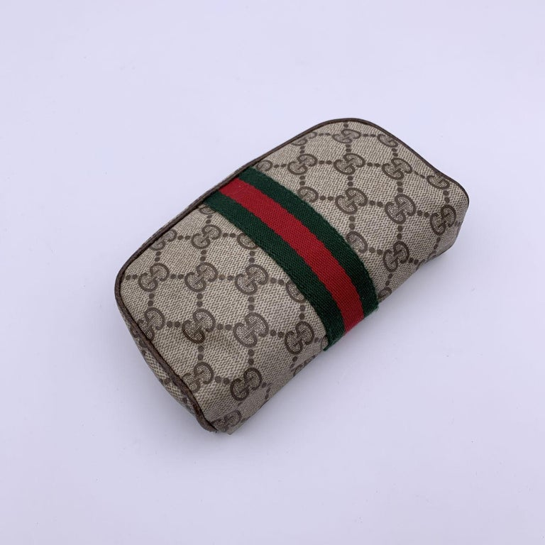Gucci Vintage Beige Monogram Canvas Cosmetic Case with Mirror In Good Condition For Sale In Rome, Rome