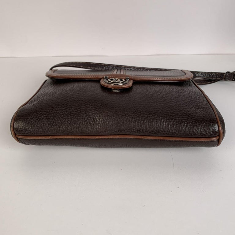 Gucci Vintage Brown Leather Convertible Crossbody Bag In Excellent Condition For Sale In Rome, Rome