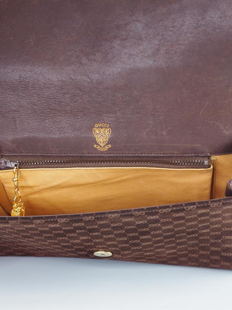 Women's or Men's Gucci Vintage Brown Suede Interlocking GG Clutch For Sale