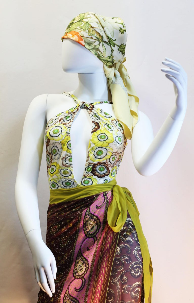 Women's Gucci vintage flowers enhances a sparkling swimsuit in light summerly colours  For Sale