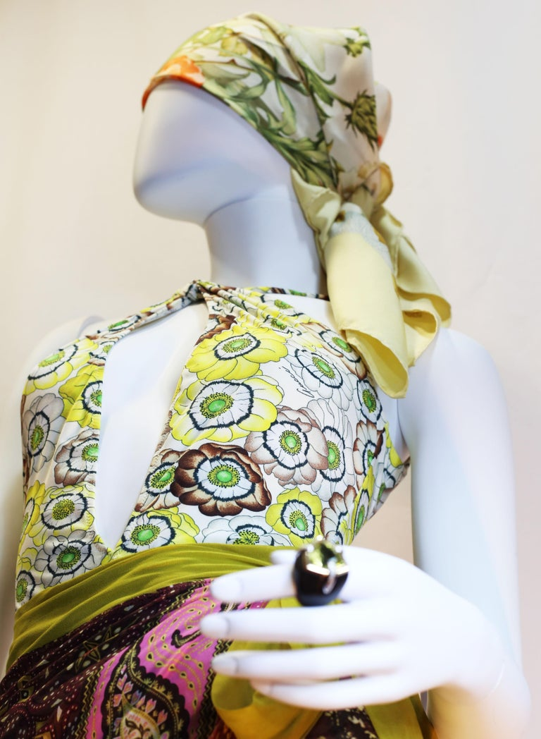 Gucci vintage flowers enhances a sparkling swimsuit in light summerly colours  For Sale 1