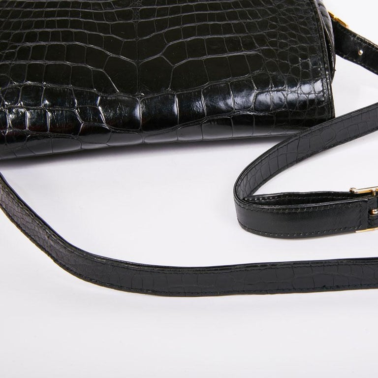GUCCI Vintage Glossy Black Crocodile Bag   For Sale 8