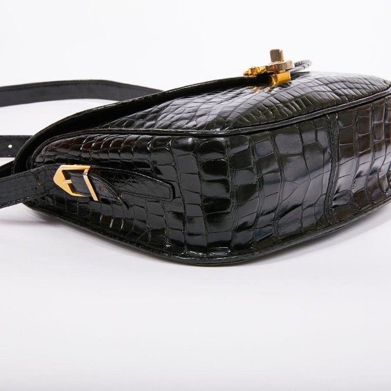 GUCCI Vintage Glossy Black Crocodile Bag   For Sale 5