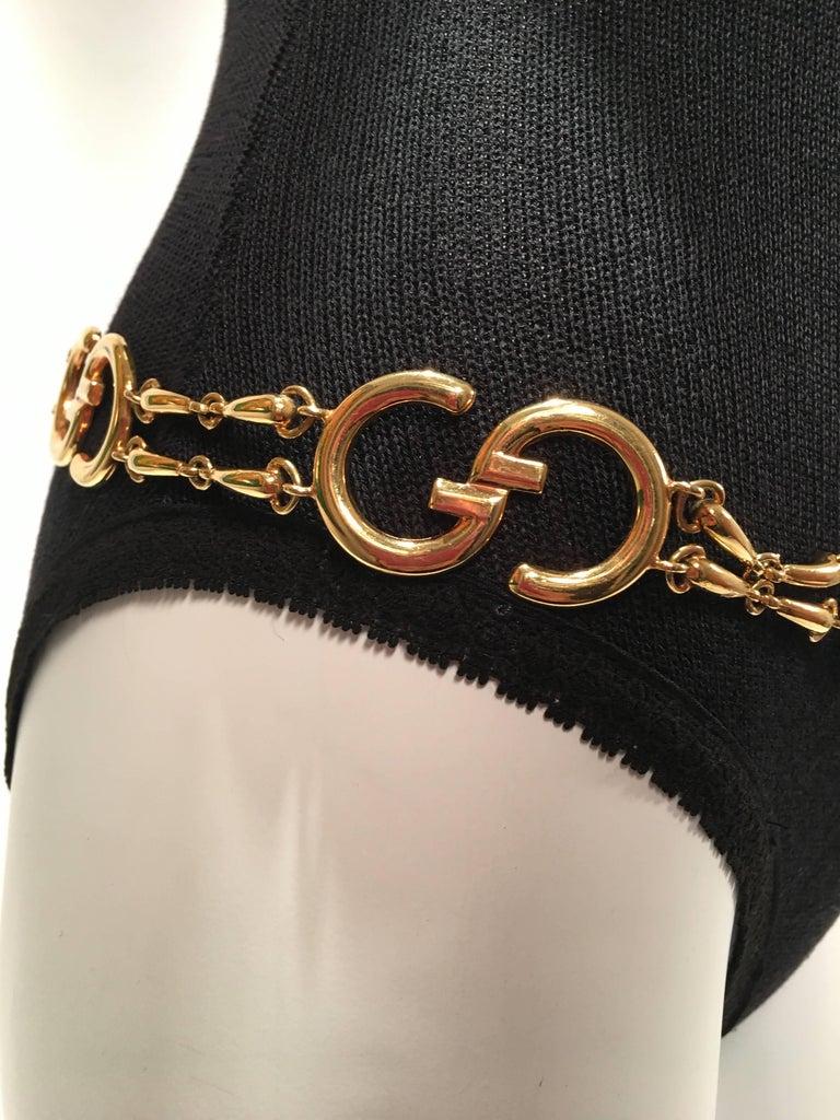 797af9d46 Women's or Men's Gucci Vintage Gold GG Logo Chain Belt For Sale