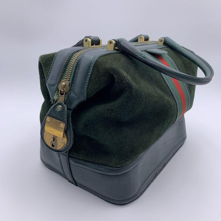 Women's Gucci Vintage Green Suede Leather Travel Bag Train Case with Stripes For Sale