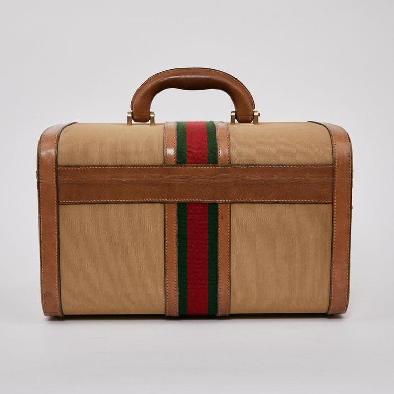 53a117f3e225 GUCCI Vintage Vanity Case in Beige and Brown Canvas and Leather In Fair  Condition For Sale