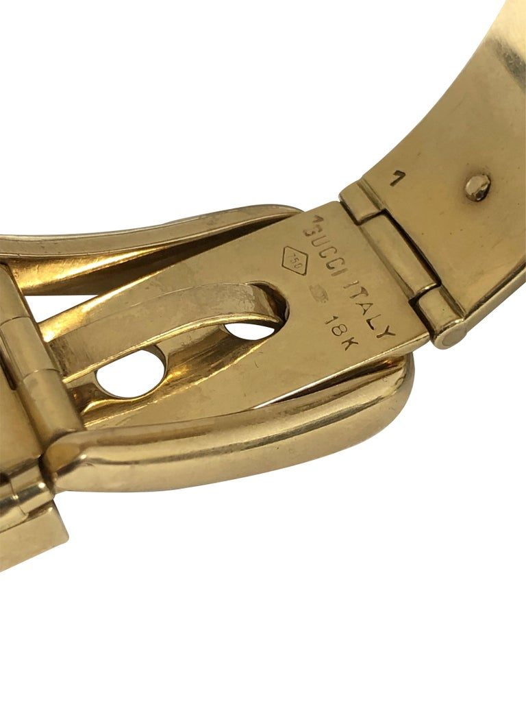 Gucci Vintage Yellow Gold and Enamel Buckle Bangle Bracelet For Sale 2