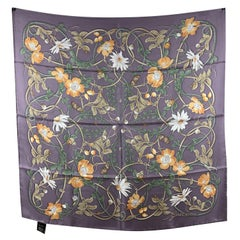 Gucci Violet Silk Flower Webby Square Scarf 90 x 90 Never Worn