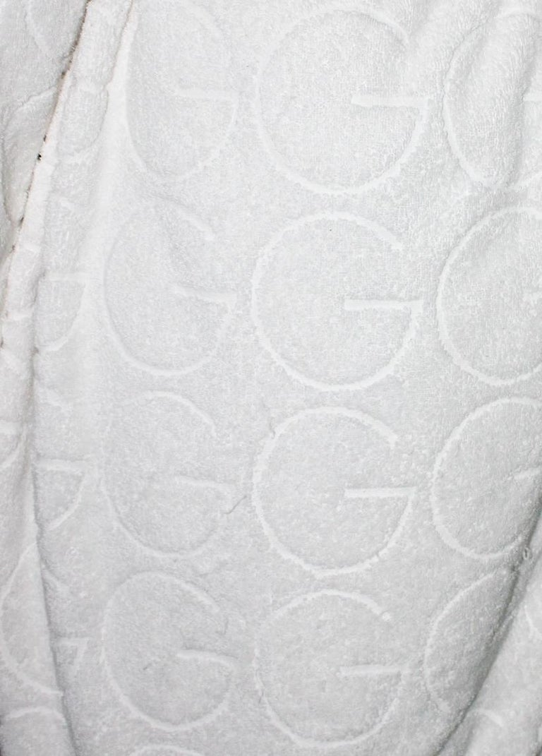 Gucci White GG Logo Terrycloth Terry Towel Bath Robe Morning Coat  In Good Condition For Sale In Switzerland, CH