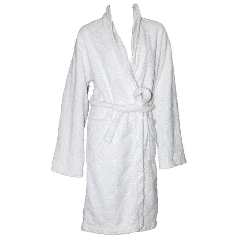 Gucci White GG Logo Terrycloth Terry Towel Bath Robe Morning Coat  For Sale