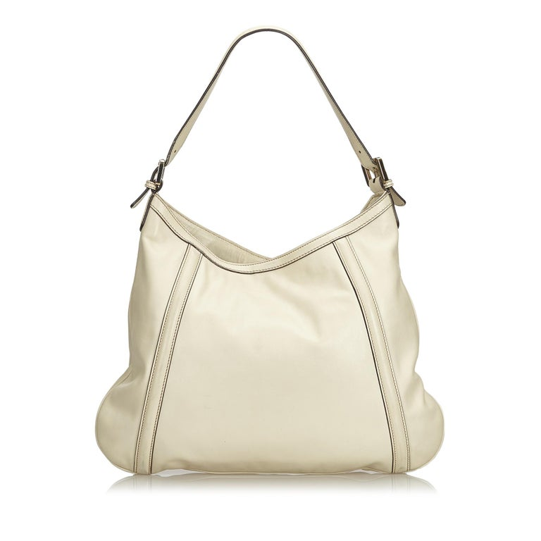 43934ae803d Gucci White Ivory Leather Medium Britt Hobo Italy In Good Condition For  Sale In Orlando