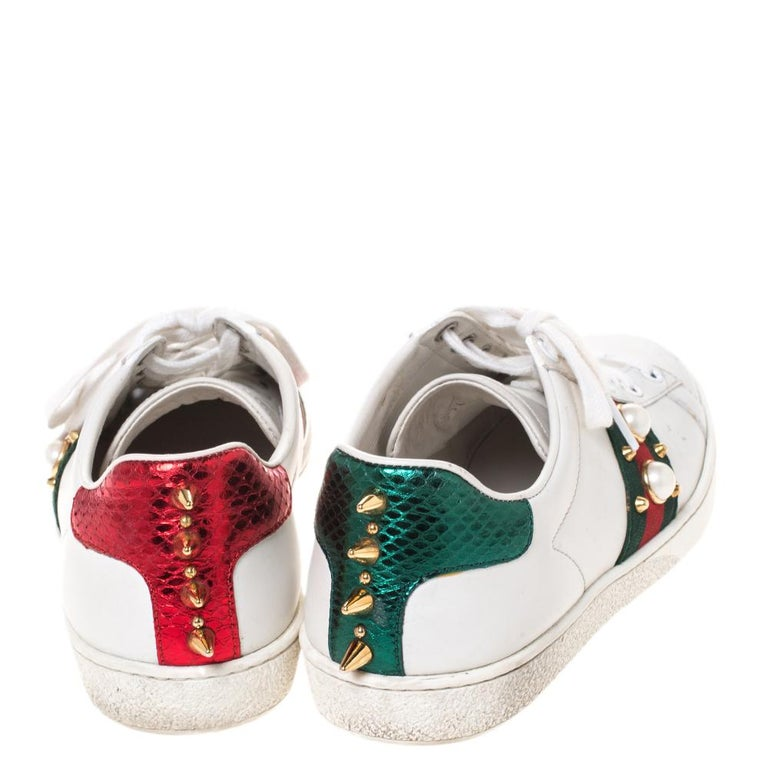 Gucci White Leather Ace Web Embellished Low Top Sneakers Size 37 In Good Condition For Sale In Dubai, Al Qouz 2