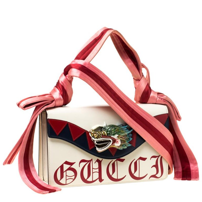 Gucci White Leather and Satin Naga Dragon Head Shoulder Bag In Good Condition For Sale In Dubai, Al Qouz 2