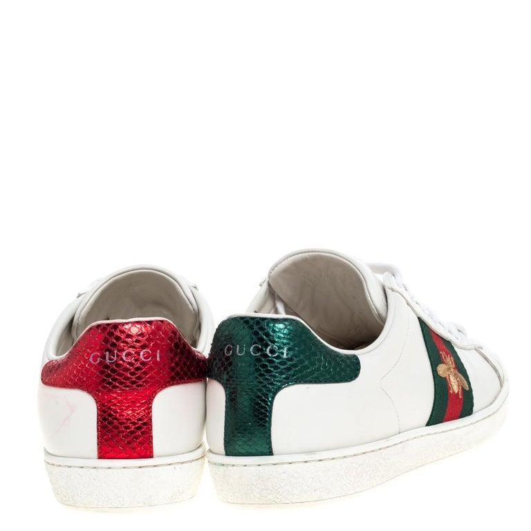 Gray Gucci White Leather Embroidered Bee Ace Low-Top Sneakers Size 37 For Sale